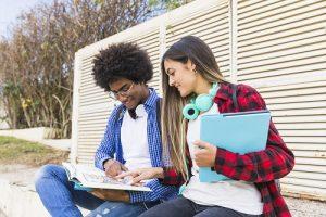 Bijles Kortrijk (Online) - Studiebegeleiding, Huiswerkbegeleiding, Examentraining Lager/Basisonderwijs, Secundair/Middelbaar (TSO, BSO, KSO & ASO), Hoger & professioneel, Universitair Onderwijs & Volwassenen