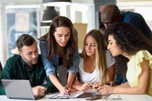 Bijles Genk (Online) - Studiebegeleiding, Huiswerkbegeleiding, Examentraining Lager/Basisonderwijs, Secundair/Middelbaar (TSO, BSO, KSO & ASO), Hoger & professioneel, Universitair Onderwijs & Volwassenen