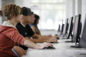 Bijles Amsterdam (Online) - Huiswerkbegeleiding, Examentraining VMBO, HAVO, VWO klas 1, 2, 3, 4, 5, 6, MBO, HBO, WO, Volwassenen