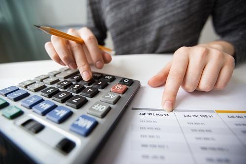 Wil je bijverdienen met bijles geven? De Belastingdienst, jouw belastingen en belastingaangifte informatie.