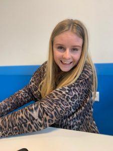 Studente Simone - Bijles, Huiswerkbegeleiding, Examentraining Aardrijkskunde, Geschiedenis, Spelling, Taal, Rekenen Voorhout/Leiden/Online